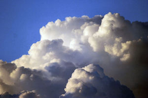 Cloud computing (bron: FreeImages.com/Cheryl Empey)