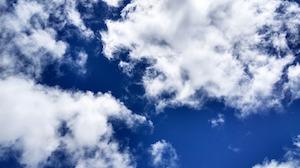 Clouds (bron: Pixabay / bineshab)